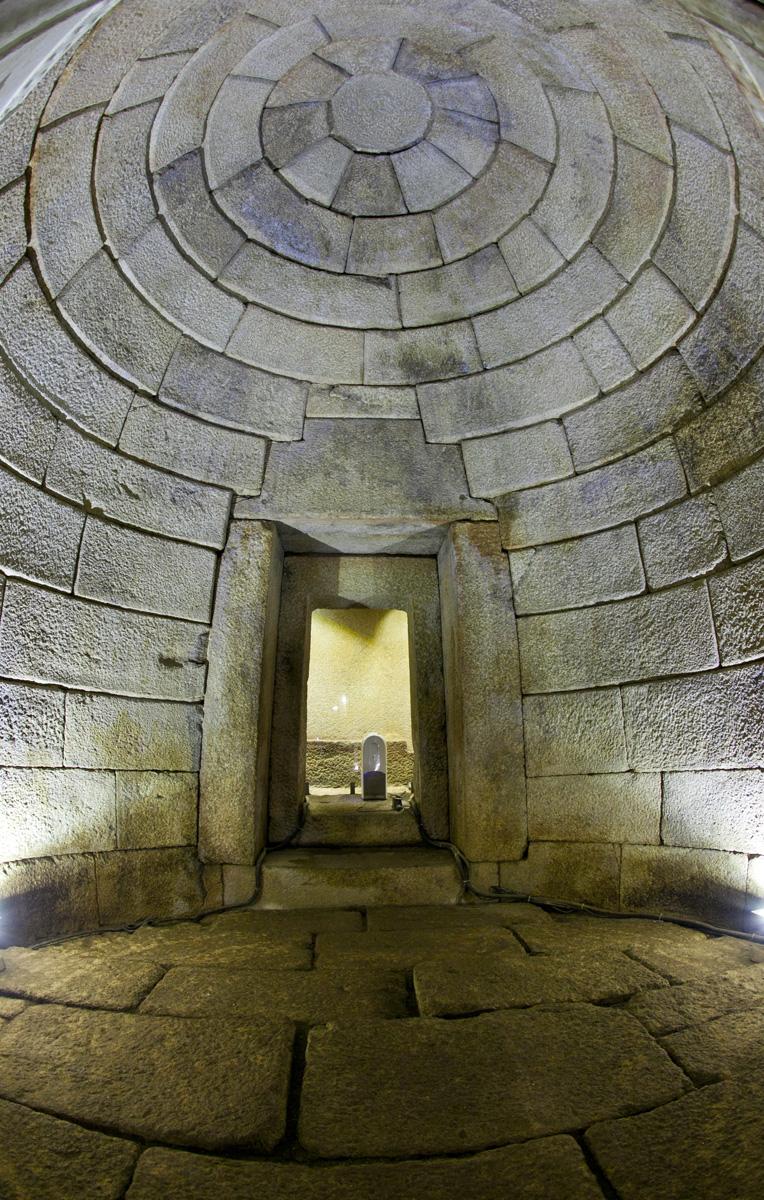 Могила Голяма Косматка - Гробница Севт III